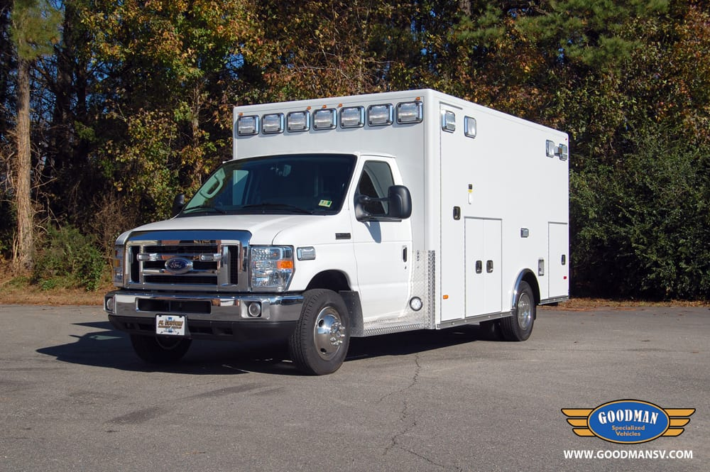 2017 Ford E450 Medallion Type III